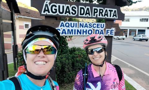 Duas ciclistas de Poços no Caminho da Fé